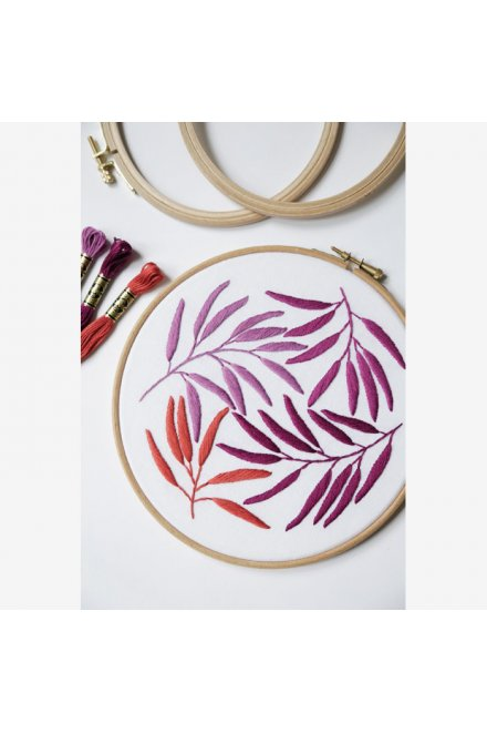 BOOKLET TRADITIONAL EMBROIDERY【新色図案集】