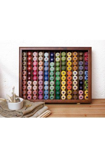 Vitrine composta por 120 novelos (60 cores-2 novelos por cor) Art. 7524/19