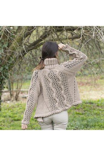 Modelo tricot amara  jersey cuello alto- línea trapezio