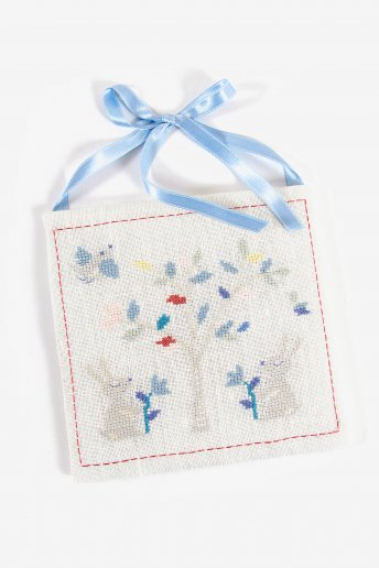 A Countryside Date Embroidery Kit