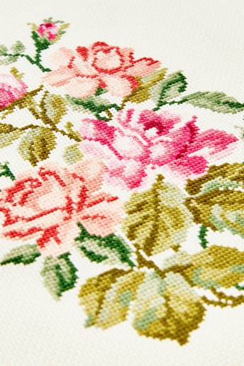 Aida Embroidery Fabric 16 count - 6 pts/cm