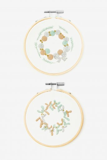 Nordic Wreath Embroidery Kit Duo