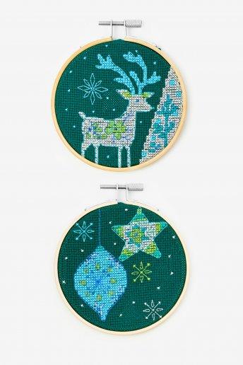 Kit duo cervo e bolas de natal em ponto de cruz