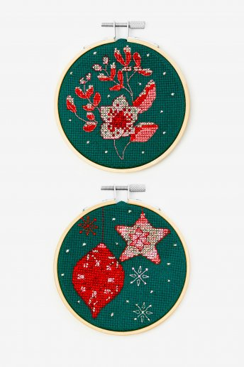 Kit duo flores y bolas navideñas de punto de cruz