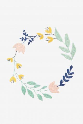 Couronne de fleurs - motif broderie