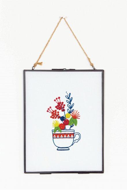 Tazza di tè rococò e fiori - schema gratuito