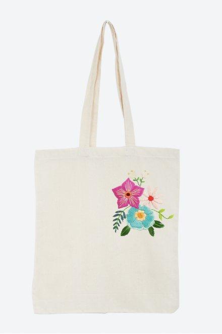 Bouquet de fleurs - motif broderie