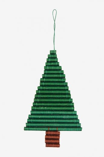 Wrapped Christmas Tree Wall Hanging - pattern