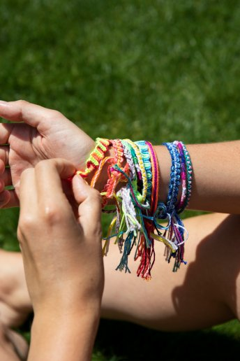 Square Knot Friendship Bracelet - pattern