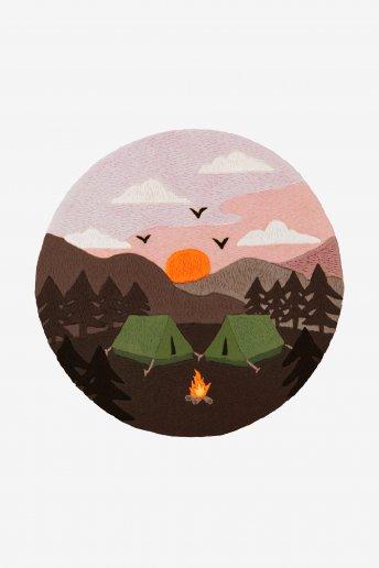 Campismo na floresta - Desenho