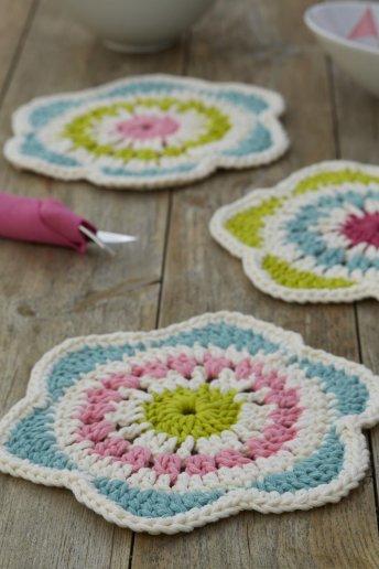 Modello crochet sottopiatti